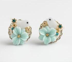 Mint flower bird stud earrings