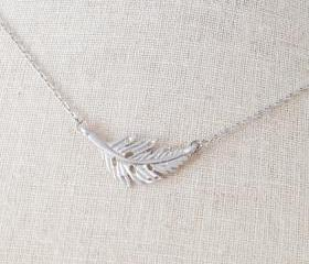 Tiny feather Necklace in Silver