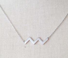 Silver zigzag necklace