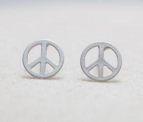 Peace sign stud earrings in silver