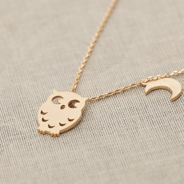 Owl and crescent necklace in Gold